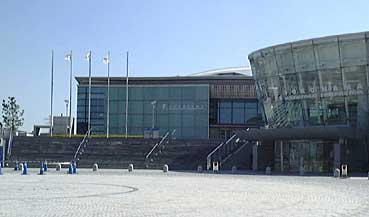 横浜 国際 プール アクセス